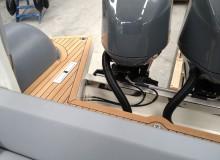 montaggio-teak-con-metodo-sottovuoto-linea-stem-nautica-33